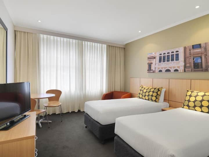 Pleasant Double Or Twin Guest Room At Sydney Cbd