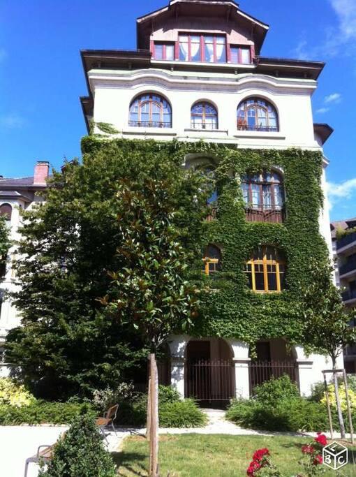 Appartement dans maison de ville appartements louer for Annecy maison a louer