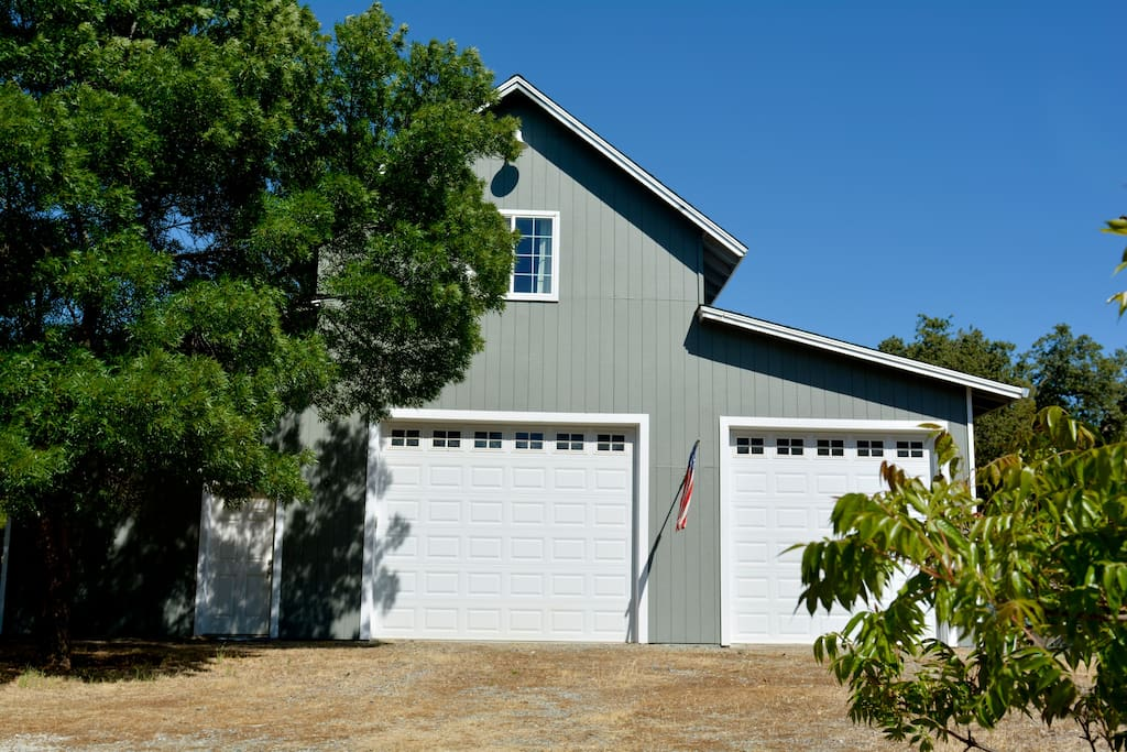 Studio Apartment Over Barn. (Converted to garage) Entrance on the left side of the barn.