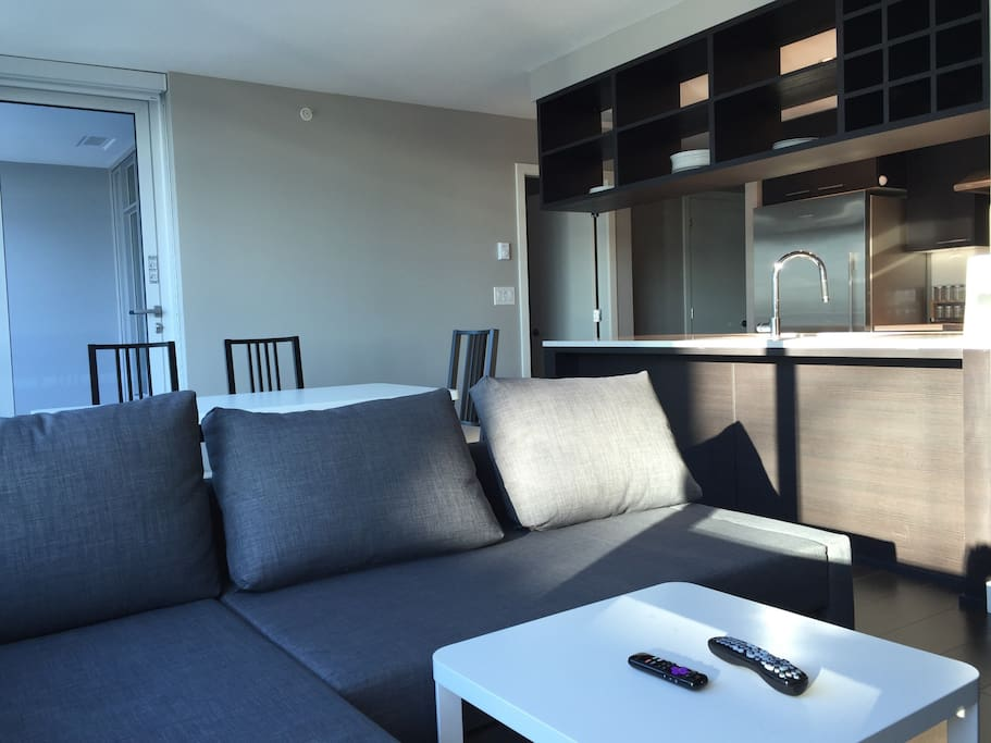 Stylish Modern 1 Bedroom Apt Convenient Location Apartments For Rent In Richmond British