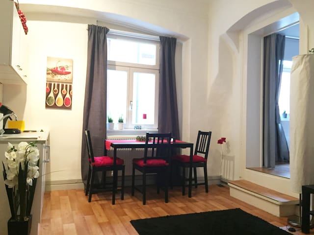 WOW - Zentrale, kleine, liebevolle Wohnung