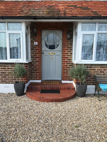 Private dbl/bedroom+lounge+ bathrm! - Bognor Regis