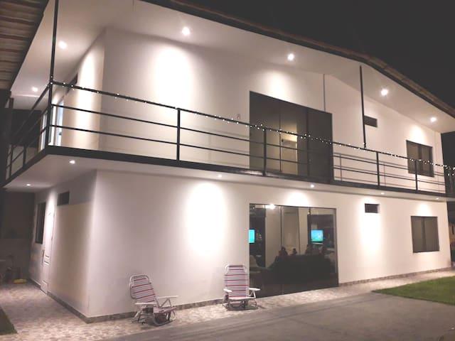 Habitaciones en casa de playa  Pulpos
