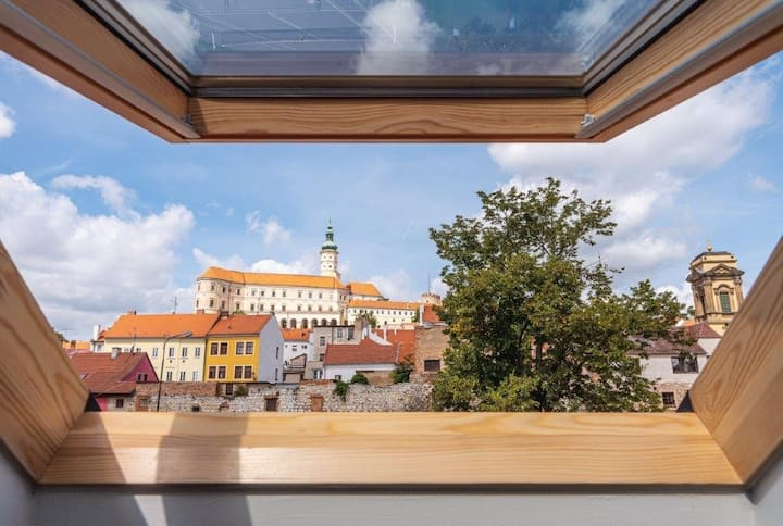 Stunning Mikulov Castle view – spacious apartment