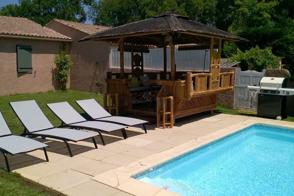 Villa de charme avec piscine proche centre ville villas for Camping a aix en provence avec piscine