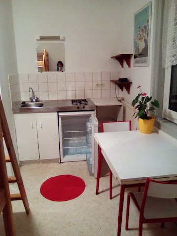 Studio kitchenette gare Auray