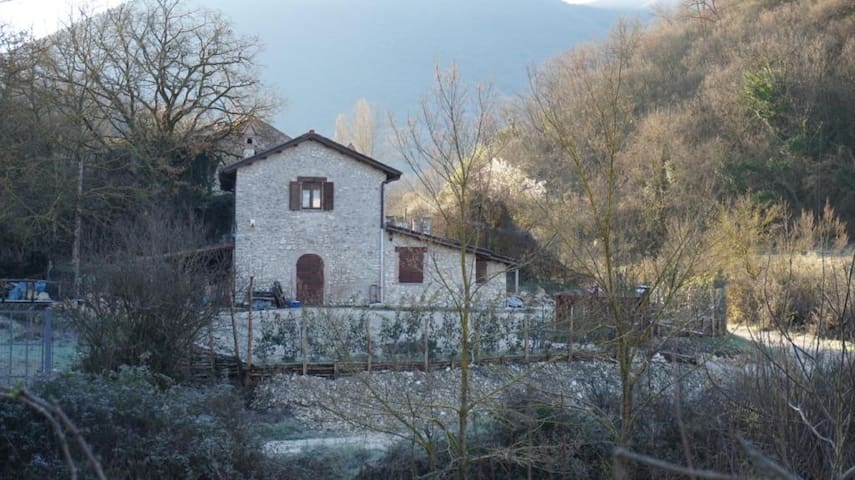 Old Farmhouse in the Countryside - Poggio Moiano - Haus