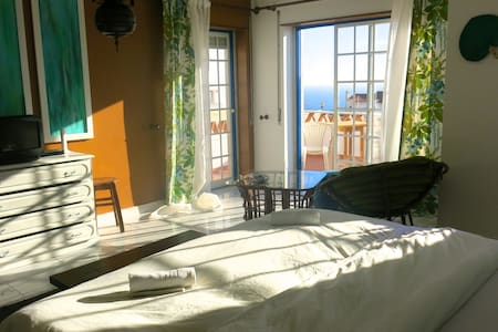 Vila with Pool and Sea View - Ericeira - Villa