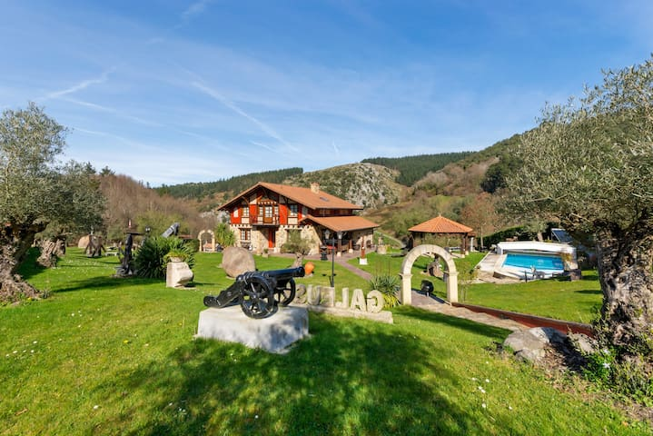 Villa with 4 bedrooms in Bizkaia, with private pool and furnished terrace
