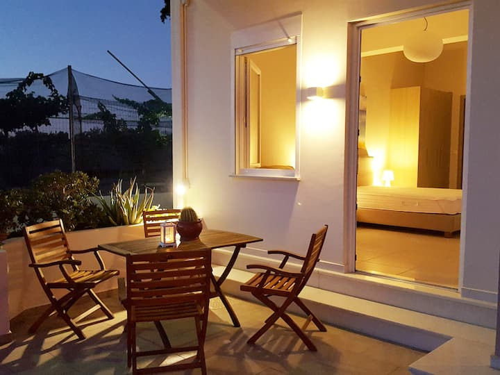 Minimalistic Studio Apartment Close to the Sea