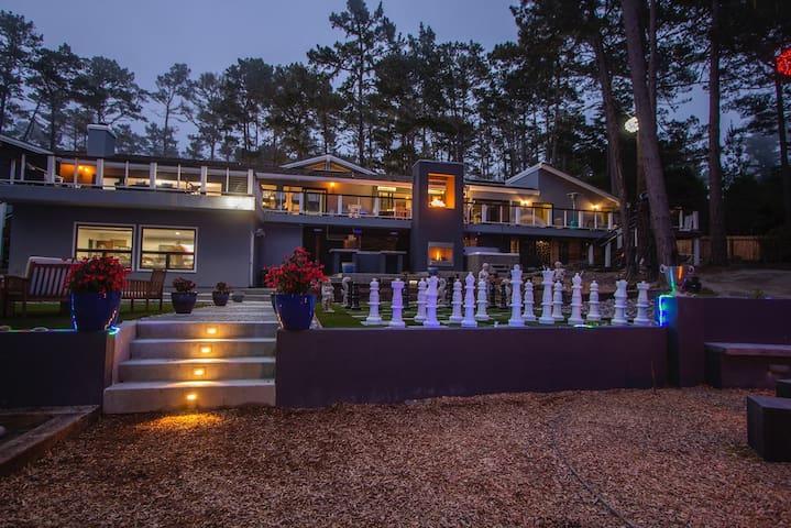 New Modern Estate! Grand Open Entertaining Areas!