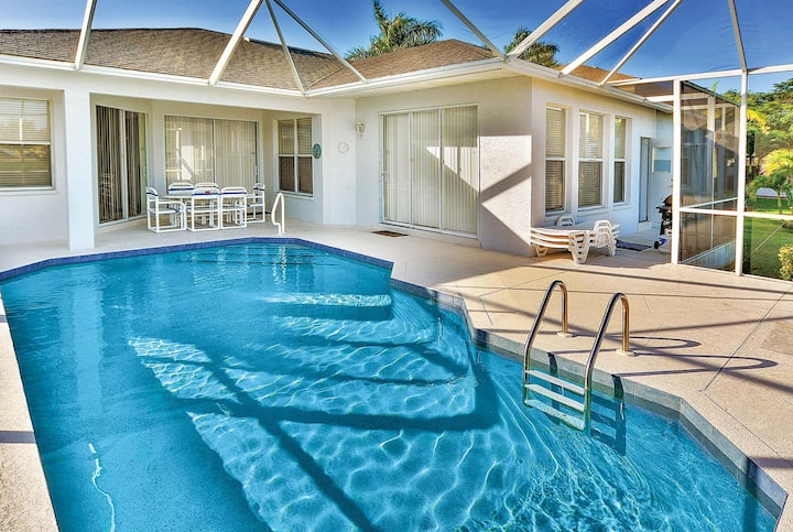 Lakeside villa with private screened pool