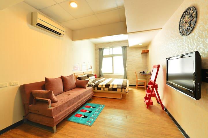 Ian11B英倫風 全新完工 獨立屋無共用 廁所在房內 提供洗衣機 明亮採光 - Xinyi District - Other