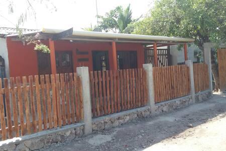 HOSPEDAJE BAHIA DE BOCACHICA