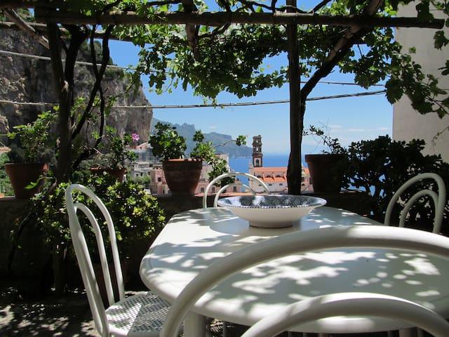CharmingHouse-Atrani,AmalfitanCoast up to 4guest - Atrani - Casa