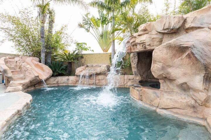 Luxury Disney Getaway | Close to Disney + Conv Ctr