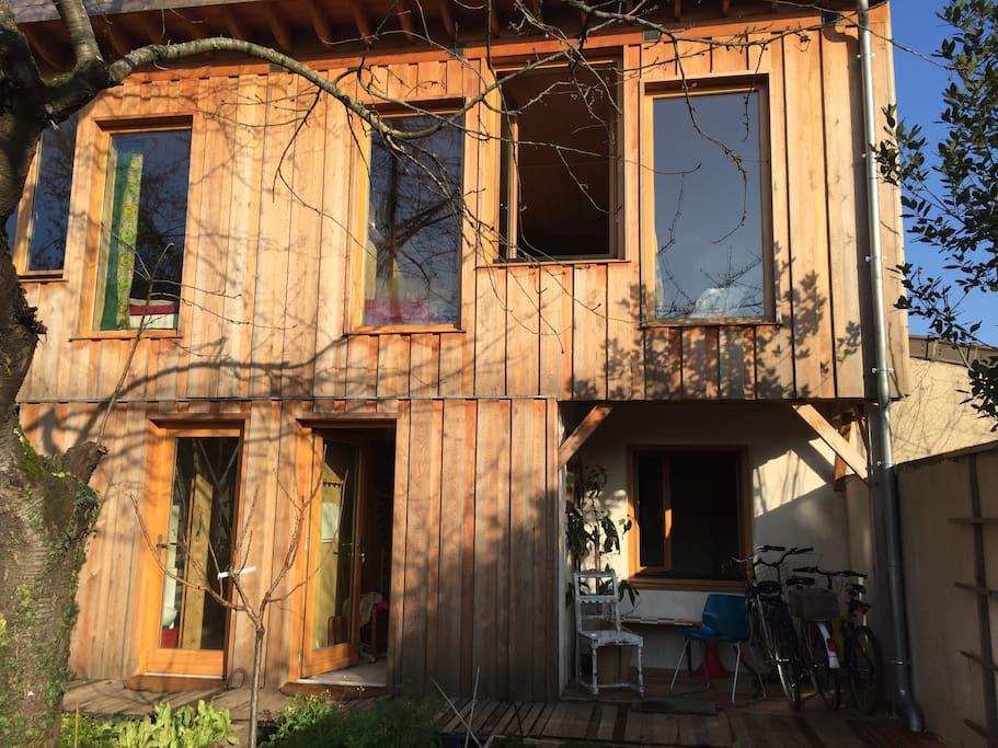 maison vegetale bois terre paille strawbale house maisons organiques louer montreuil le. Black Bedroom Furniture Sets. Home Design Ideas