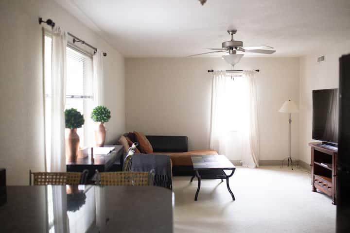 New, clean listing! | Walk UIHC, Kinnick, Oaknoll