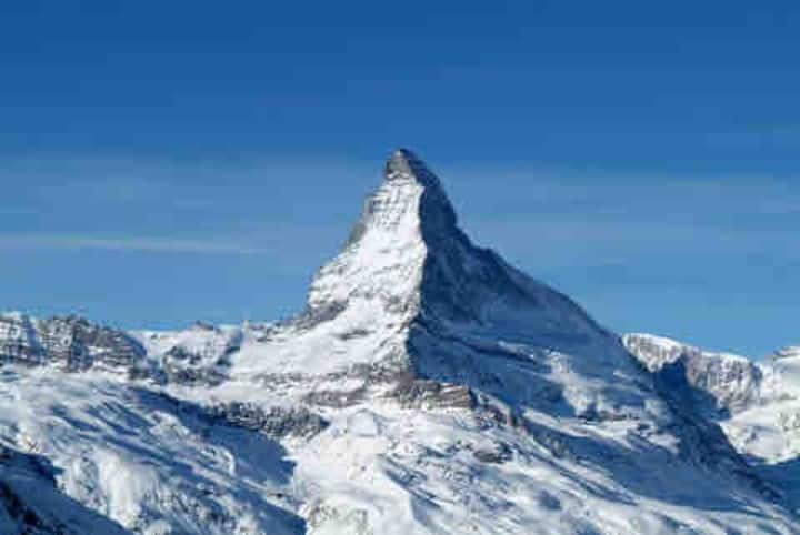 Matterhorn Paradise ski-in/out,mnt view, sleeps 6+