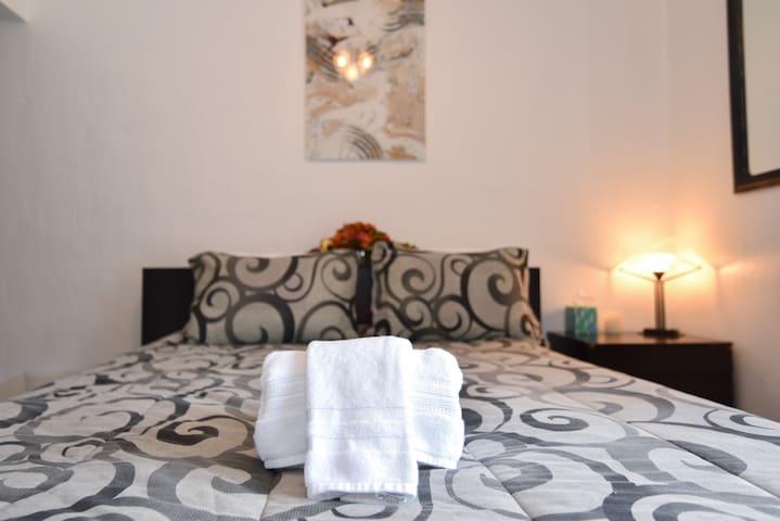 Escape & Recharge, 1 Bedroom Near Horseshoe Bay!