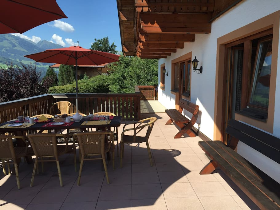 Luxury 14 person chalet in zell am see kaprun chalets for Living room zell am see