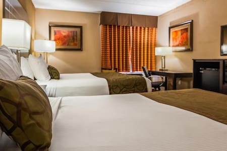 ♕♕♕ Stunning Room Double Bed Non Smoking At Pewaukee ♕♕♕