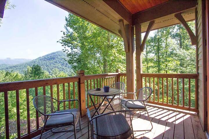 Mountain Lodge @ Bear Lake Reserve Near Asheville