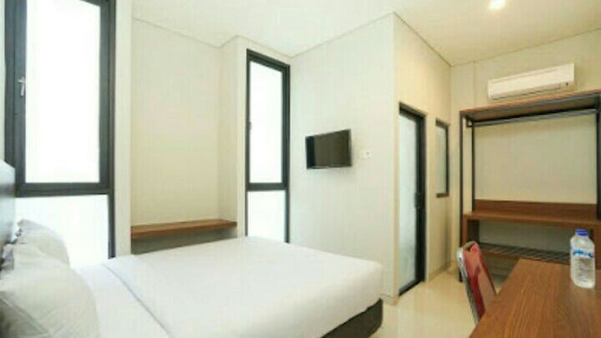 Comfy Lodging Near Citraland Surabaya