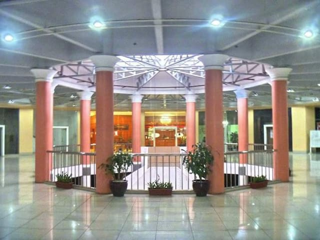 The Albergo Mall leading to the Hotel and Residences' Lobby