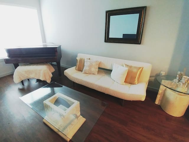 Beautiful Upscale Galleria Loft with pool/gym - Houston - Byt