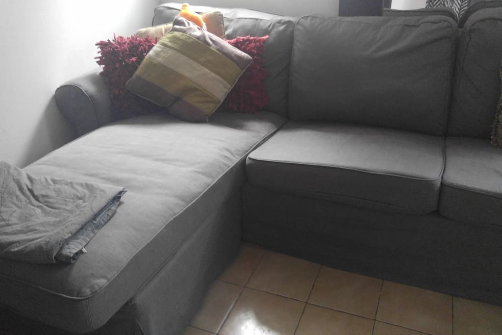 Option to add an ottoman so we can turn the couch into a twin bed.