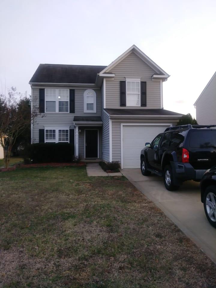 FAMILY HOUSE,NICE CONDO VERY QUIET.