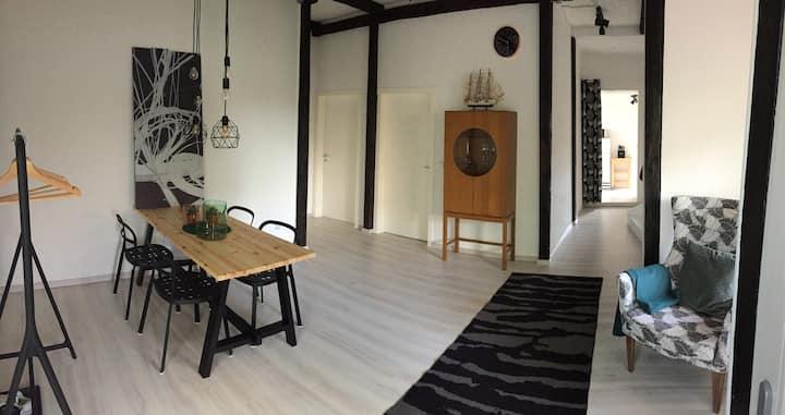 Doppelhaushälfte mit 3 Schlafzimmern & Terrasse