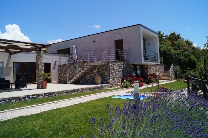 Villa moderna - Corbezzolo