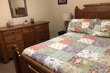 Nice comfy  2Queen beds rented separately