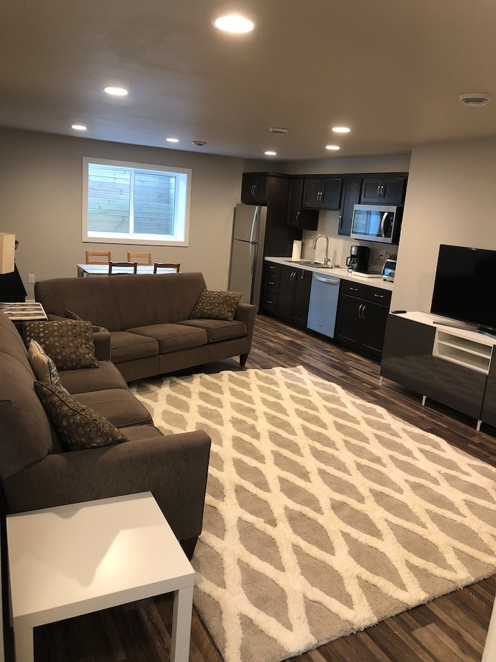 Stunning 2 Bedroom Guest Suite