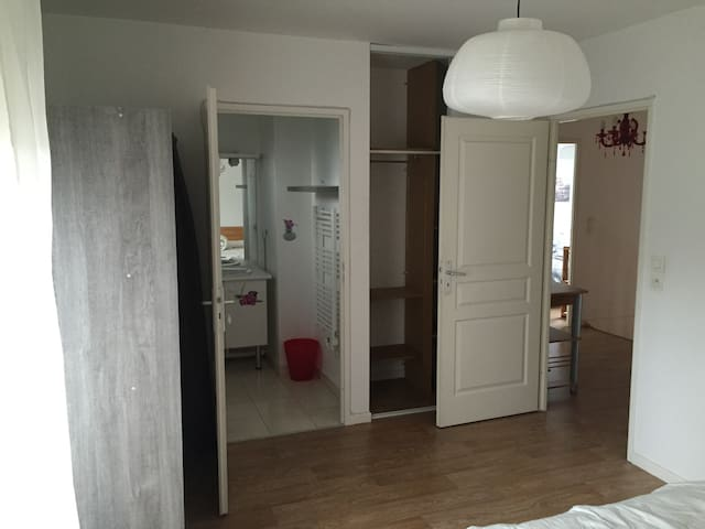 Belle chambre avec terrasse, sdb privative - Wissous