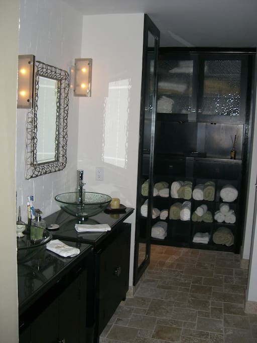 Master Bedroom Suite In Victoria Park Houses For Rent In