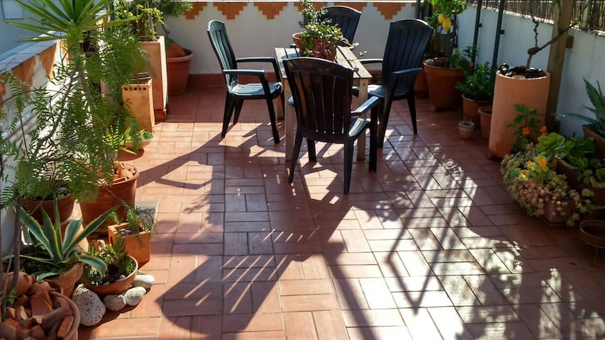 1 bed Apt with roof terrace 3,5 kms from Sitges. - Sant Pere de Ribes - Huoneisto