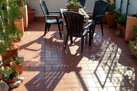 1 bed Apt with roof terrace 3,5 kms from Sitges. - Appartement