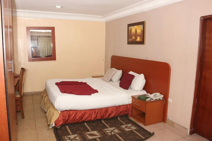 Randolph Hotel and Resorts - STANDARD DELUXE