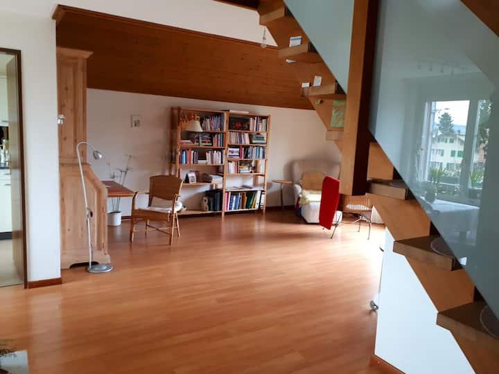 Nina's Gästezimmer mit Alpensicht am Thunersee