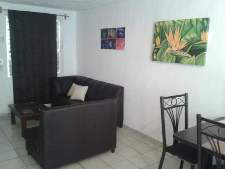 GUADALAJARA MEXICO  HOUSE FOR 1 TO 4 GUESTS