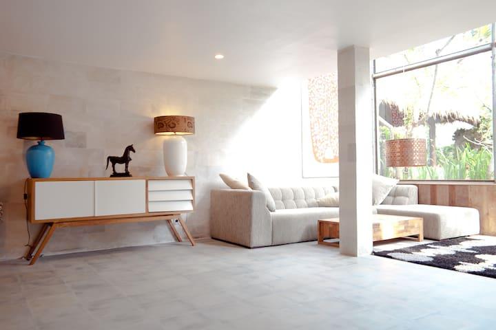Amazing 2BR Designer Villa @ Luxury Estate!