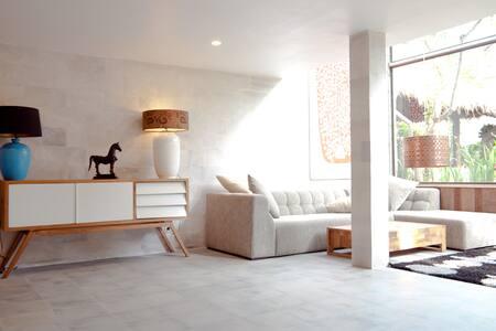 Amazing 2BR Designer Villa @ Luxury Estate! - Ubud