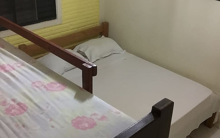 Quarto simples hostel nature