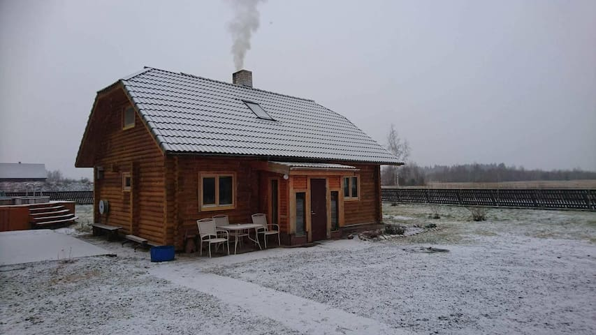 Entire house 10 km from Tallinn - Kajamaa