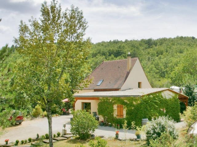 Charming gite with nature view near Sarlat