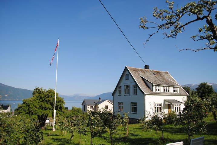 Charming villa in Balestrand