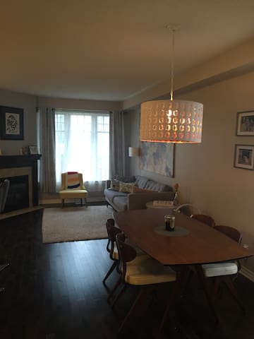 Clean Family Friendly Townhome